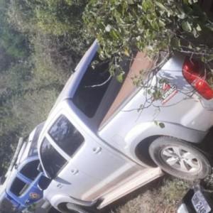 Caculé: Hilux roubada na noite de ontem (25) é encontrada abandonada próximo ao Pau do Biscoito.