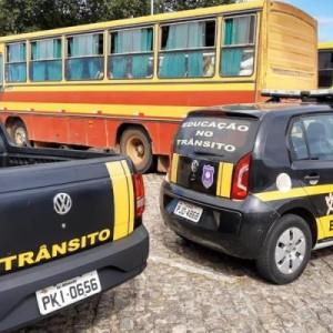 Motorista com Covid-19 é flagrado transportando passageiros em Brumado.