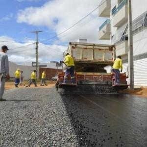 Obras e serviços de emergência tem continuidade pela Prefeitura Municipal de Guanambi.
