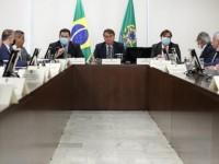 Presidente sanciona auxílio de R$ 60 bilhões para estados e municípios.
