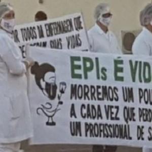 Profissionais protestam conta falta de EPIs no hospital de Riacho de Santana.