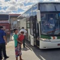 Fiscais da AGERBA e Policia Militar apreendem 04 veículos clandestinos de transporte de passageiros  em Guanambi. - Foto 4