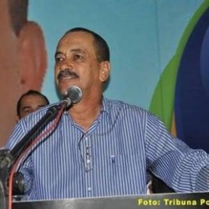 Prefeito determina suspensão de obra federal após confirmação de 15 casos da Covid-19 em Palmas de Monte Alto.