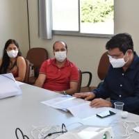 Comitê de Enfrentamento ao Covid-19 de Guanambi se reúne com o Prefeito para definir estratégias frente ao cenário epidemiológico. - Foto 1