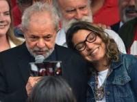 Lula e namorada planejam morar em Salvador.