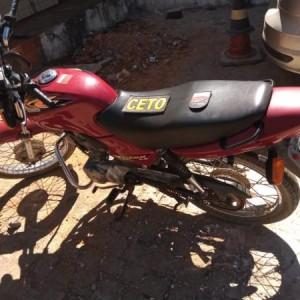 Polícia Militar recupera motocicleta furtada em Guanambi.