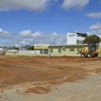 Prefeitura de Guanambi inicia praça do Bairro São Sebastião e mantém agenda de serviços públicos na cidade. - Foto 2