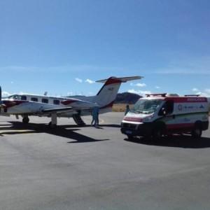 Recém-nascido de Matina com problema é transferido em UTI aérea para Salvador.