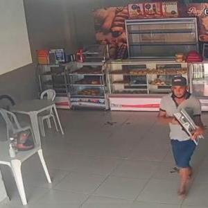 Suspeito de furtar balança em padaria é preso pela Polícia Militar.
