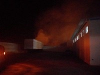 Brigada controla incêndio próximo a depósito de medicamentos em Guanambi.