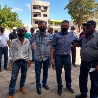 Deputado Charles Fernandes discute sucessão municipal em Sebastião Laranjeiras. - Foto 1