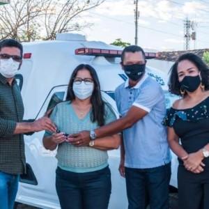 Reinaldo Góes entrega veículos para atender a Secretarias de Saúde e Educação de Iuiu.