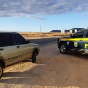 Veículo roubado há quase quatro anos é recuperado pela PRF na BR-030 em Guanambi.