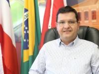 Prefeito de Guanambi é denunciado por abrir licitação milionária a menos de dois meses para as eleições.