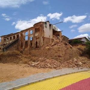 Comunidade de Mutãs denuncia demolição do casarão histórico Solar dos Barros.