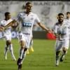 Santos atropela o Boca Juniors e garante final brasileira na Libertadores com o Palmeiras.