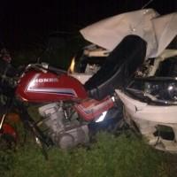 Motociclista morre após acidente entre carro e moto próximo ao trevo de Mutans. - Foto 1