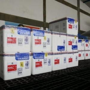Bahia recebe mais 281.400 doses de vacinas, entre Coronavac e Astrazeneca.