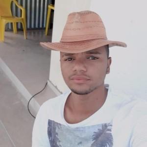 Jovem morre em colisão entre carro e moto na BA-262 entre Aracatu e Brumado.