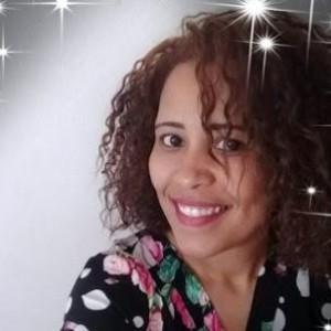 Música da cantora guanambiense Viviane Santana homenageia profissionais de saúde.