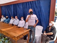 Deputado Charles Fernandes participa de entrega de praça em Tanque Novo.