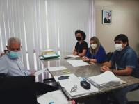 Ivana Bastos e Warlei acompanham pedidos de energia elétrica para Urandi.