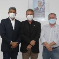 Mandato de Ivana Bastos e prefeitos tratam de investimentos autorizados pelo governador na SEC. - Foto 1