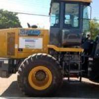 Deputado Federal Charles Fernandes entrega equipamentos para Prefeitura de Malhada durante Feira da Agricultura Familiar. - Foto 1