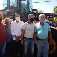 Deputado Federal Charles Fernandes entrega equipamentos para Prefeitura de Malhada durante Feira da Agricultura Familiar. - Foto 6