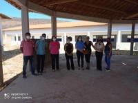 Prefeita de Matina e secretária de educação visitam as obras do Colégio do Pinchico.