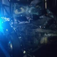 Colisão envolvendo caminhão e carreta deixa motorista ferido na BR-030 em Guanambi. - Foto 2