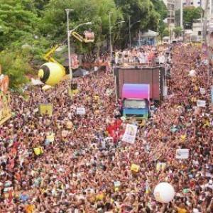 Conselho do carnaval teme debandada de artistas para cidades que já confirmaram Carnaval em 2022.