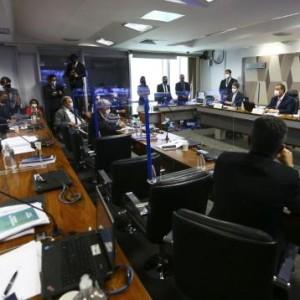CPI da Pandemia aprova relatório e pede indiciamento de 80 pessoas.