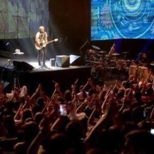 Governo prorroga decreto e mantém público de 1.200 pessoas em eventos na Bahia.