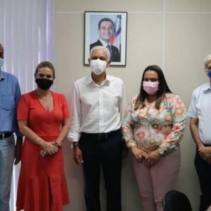 Prefeito de Palmas de Monte Alto cumpre agenda em Salvador.