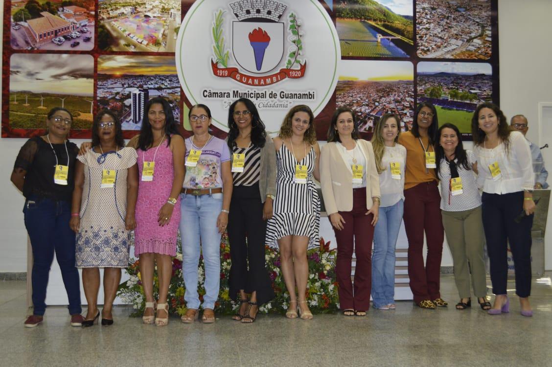 Fórum reúne mulheres em Guanambi na defesa de seus direitos.