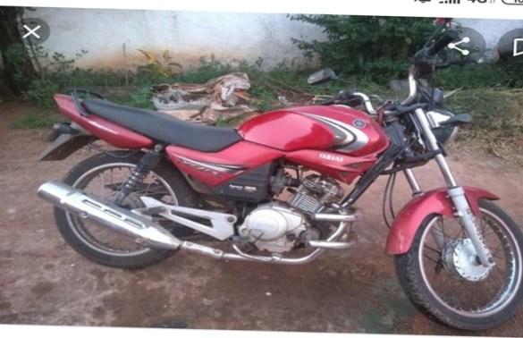 Ladrões furtam motocicleta em frente residência do dono em Iuiú.