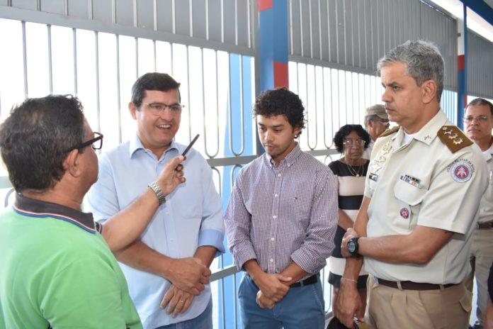 Prefeito Dr. Jarbas de Candiba visita Colégio Josefina.