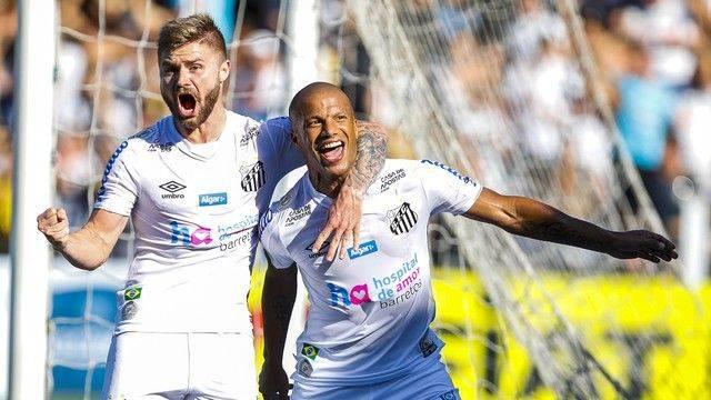 Santos goleia e põe fim à invencibilidade do Flamengo.