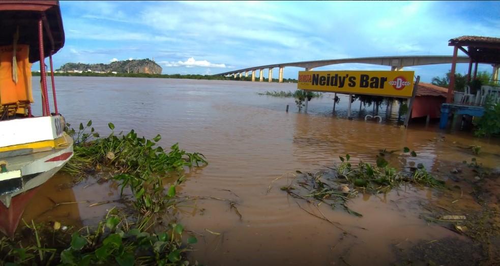 Defesa Civil de Bom Jesus da Lapa, Carinhanha e Malhada estudam precauções para a cheia do Rio São Francisco.