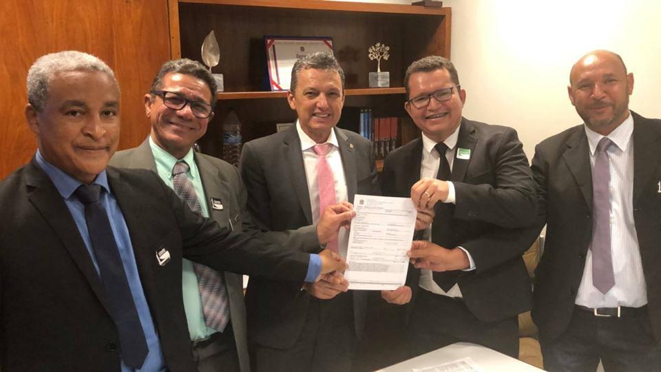 Deputado Charles Fernandes se reúne com diretor do IF Baiano e oficializa emenda para melhorias de infraestrutura na ins