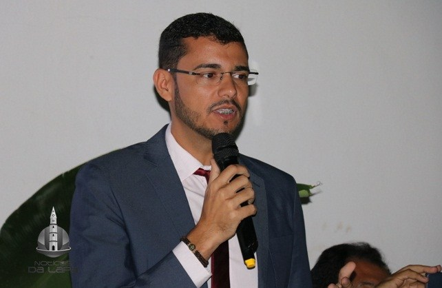Prefeito, ex – prefeito de Serra do Ramalho e mais 11 são denunciados por desvio de R$ 2,6 mil do transporte escolar.