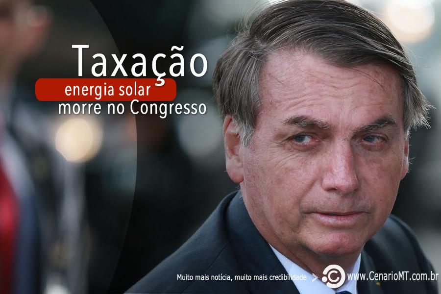 """Bolsonaro diz que Congresso vai """"sepultar"""" taxação de energia solar."""
