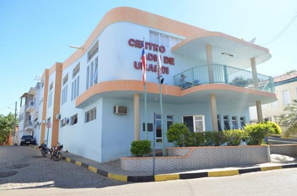 Após críticas do prefeito, Estado envia insumos e deve reforçar o policiamento em Urandi para enfrentamento ao coronavírus.