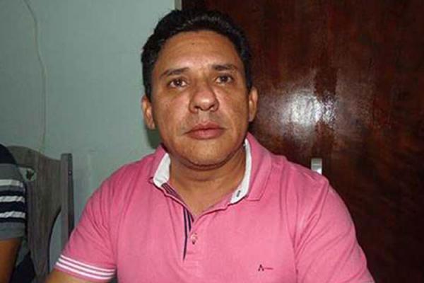 Férias coletivas equivocadas de empresa foi crucial para disseminação da Covid-19 em Urandi, diz prefeito.