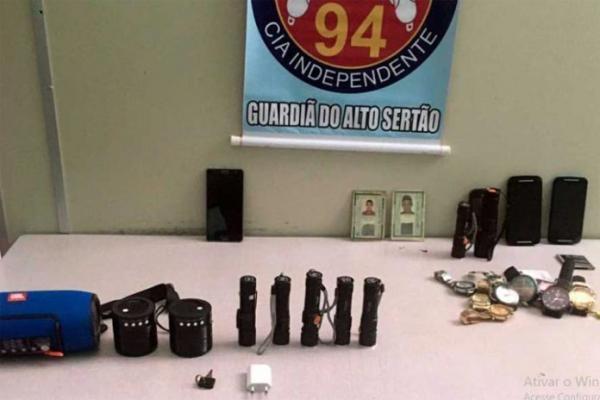Lagoa Real: PM detém suspeitos e recupera produtos furtados.