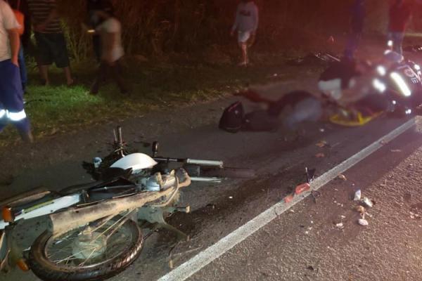 Três pessoas morrem após colisão entre carro e motocicletas próximo a Vitoria da Conquista.