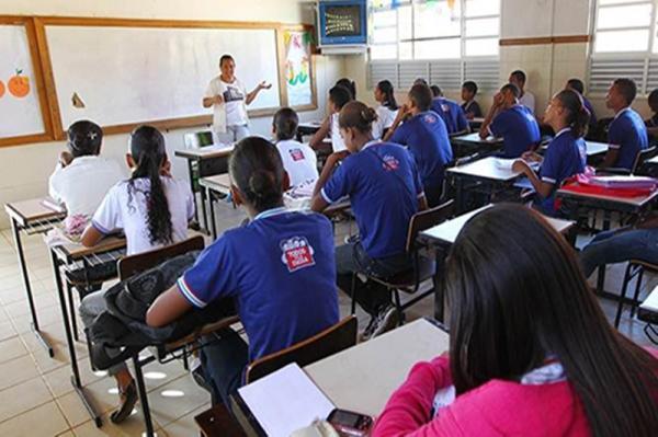 76% dos brasileiros são contra retomada das aulas presenciais, diz Datafolha.