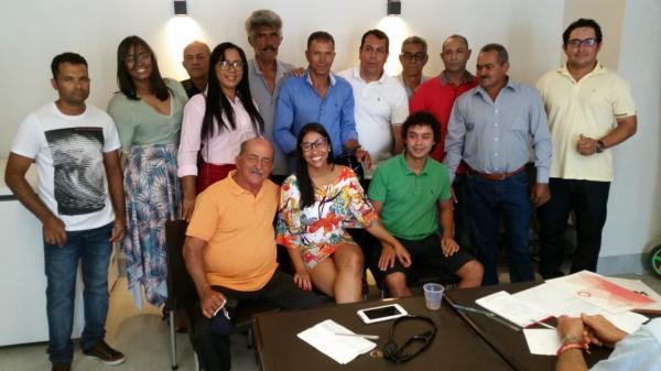 Prefeito de Candiba recebe apoios para reeleição.