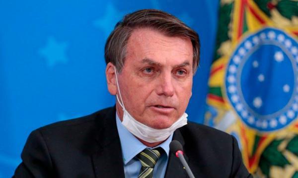 Bolsonaro diz que seu exame para Covid-19 deu positivo.